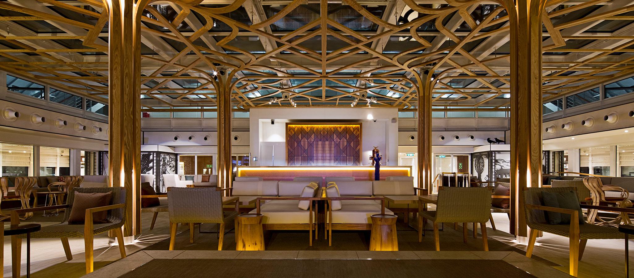 Die vielen Lounges, Bibliotheken und Rückzugsorte dienen im Rahmen einer Konferenz für Break-Out-Sessions und Workshops.