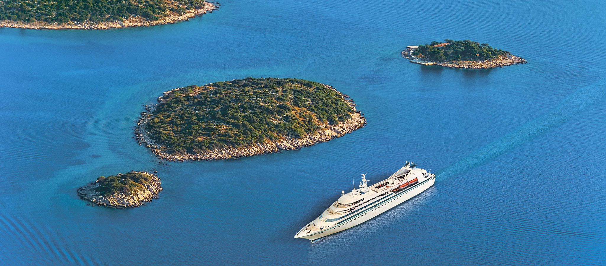 Cruise ships for up to 200 passengers are called boutique ships. They are eminently suitable for incentives with an unusual sea and land program.