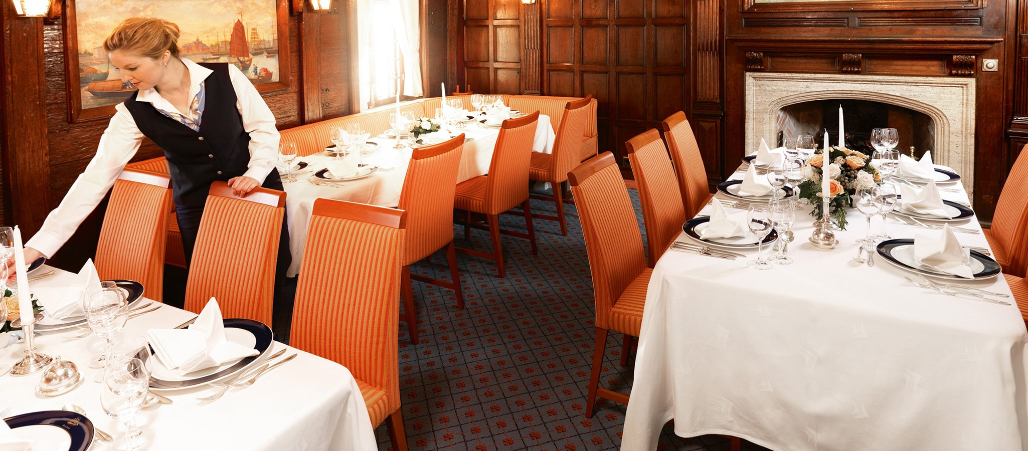 The restaurants have the charm of a privately staged dinner – a lovely setting for your gala evening.