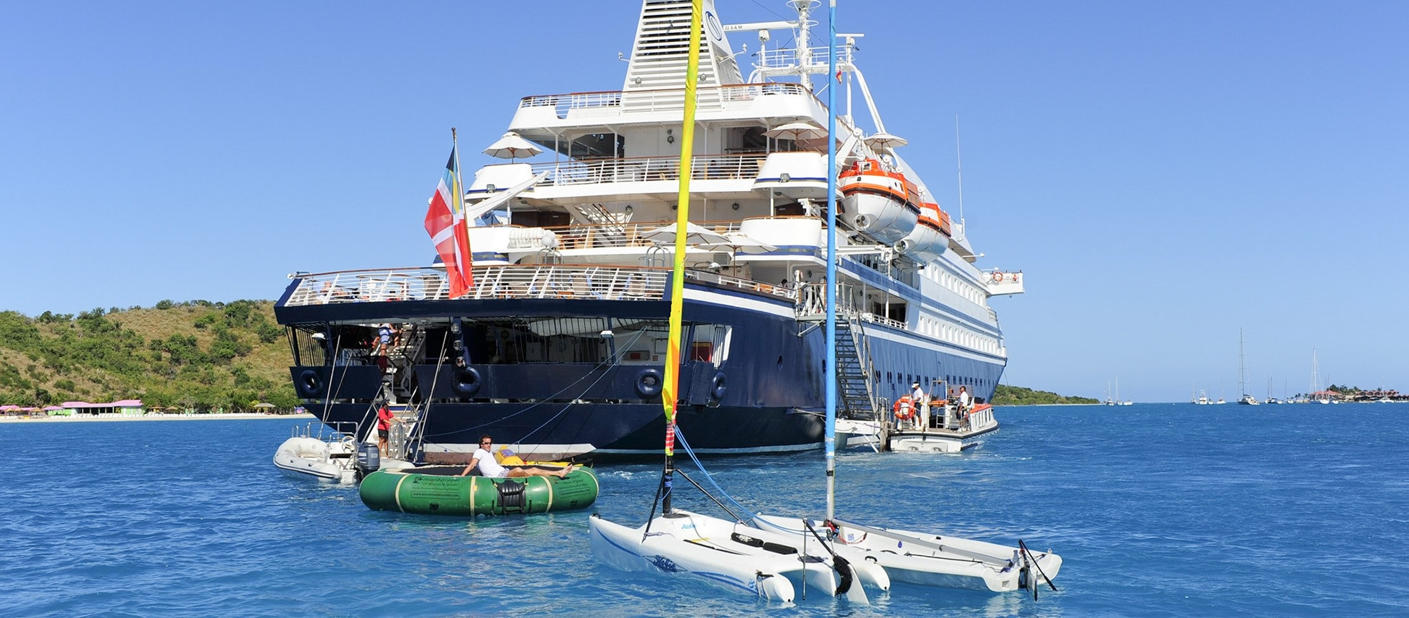 A must for any maritime event: swimming fun and water sports directly from the marina platform.