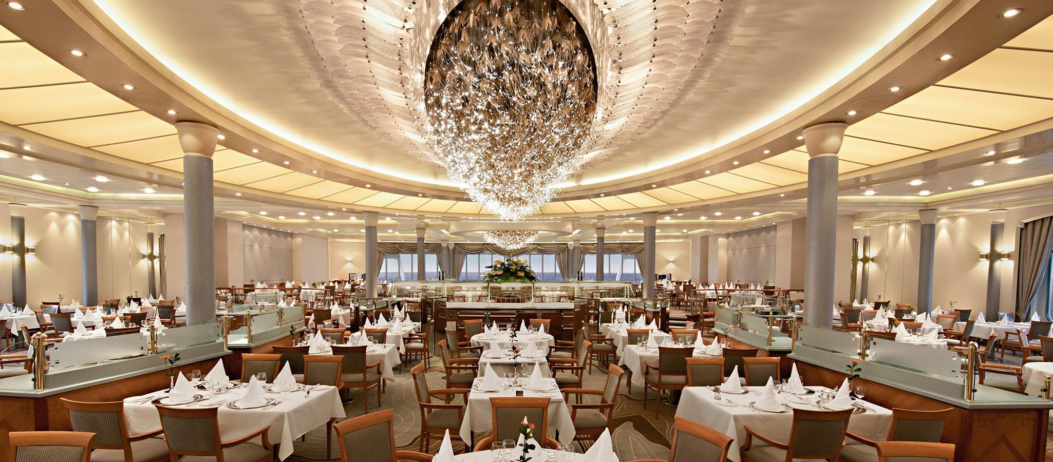 Ob für Gala- oder Captains-Dinner: Die Restaurants in dieser Schiffsgröße fassen meist die maximale Gästekapazität.