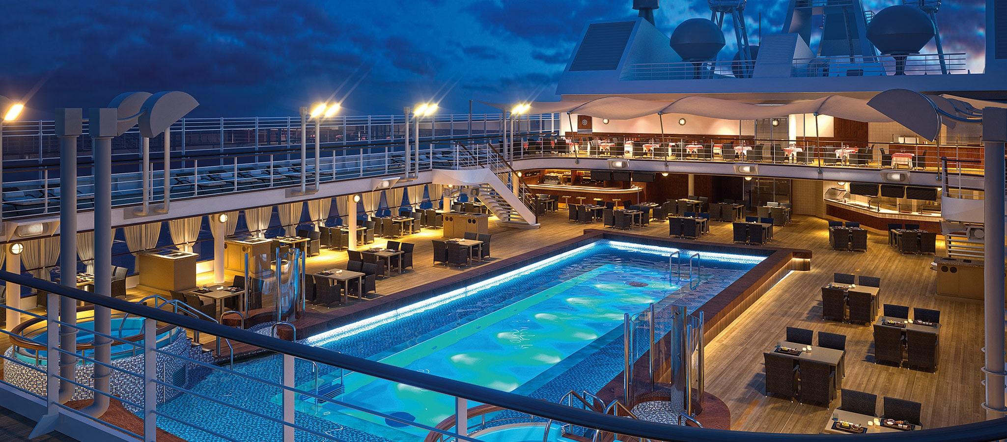 Ob Party unter den Sternen oder Dinner auf dem überbauten Pool - die weitläufigen Decks lassen sich auf jede erdenkliche Spielart in Szene setzen.