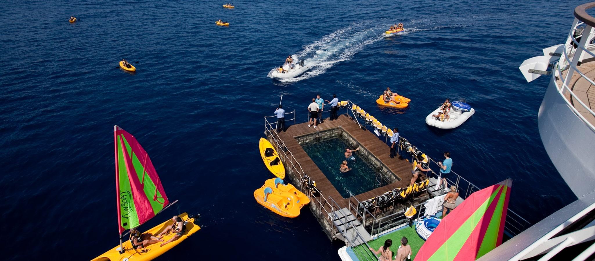 Vor Anker liegend ist dann Wassersport in allen Facetten möglich.