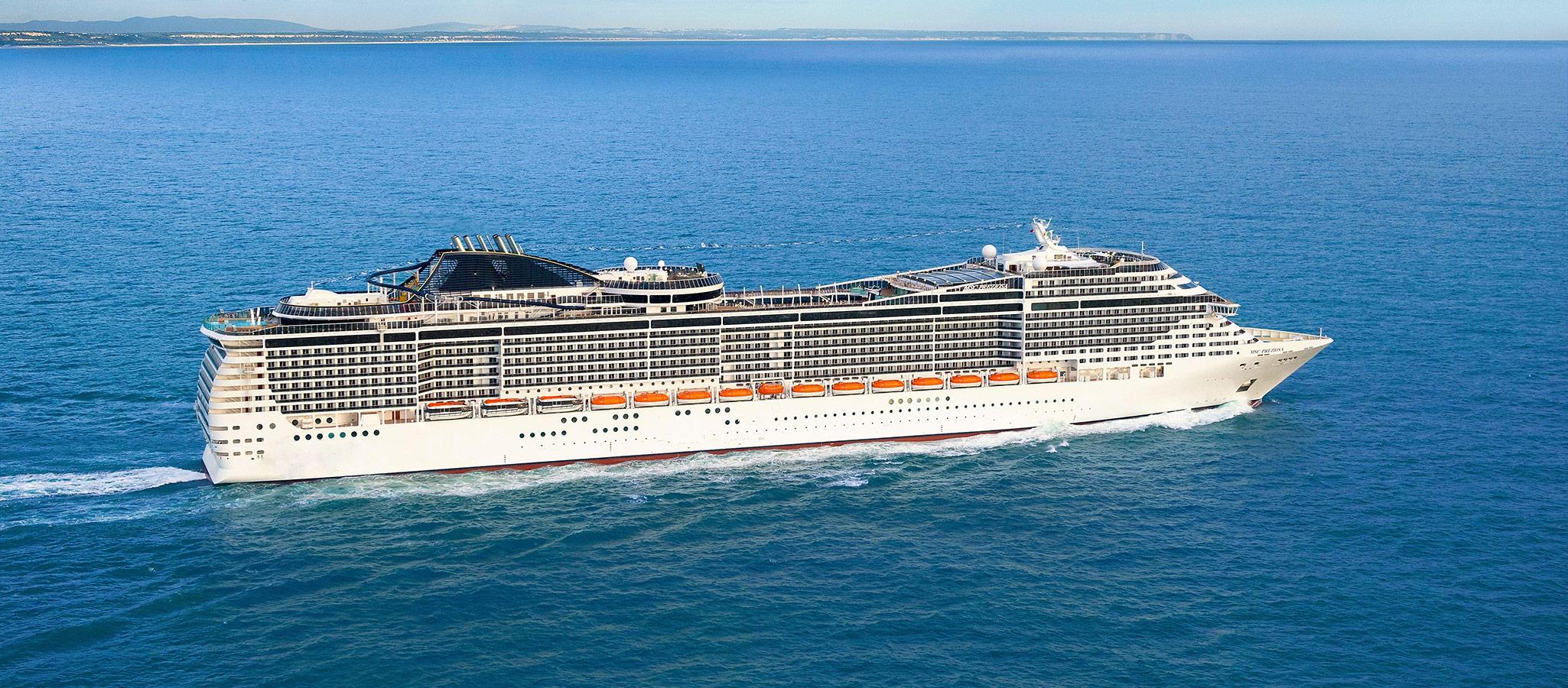 Kreuzfahrtschiffe dieser Größe werden als Ressortschiffe bezeichnet. Wie in einem Ressort befindet sich einfach alles, was es für Events, Incentives, Konferenzen und Entertainment braucht, an Bord.