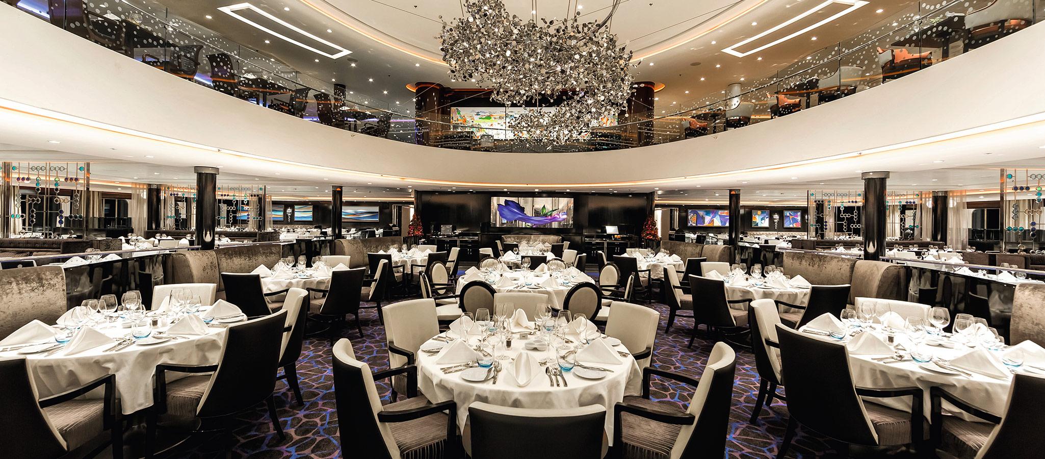 Die Restaurants der Kreuzfahrt-schiffe fassen teilweise bis zu 1200 Gäste in einer einzigen Sitzung. Für Events mit Single-Room-Besetzung optimal.