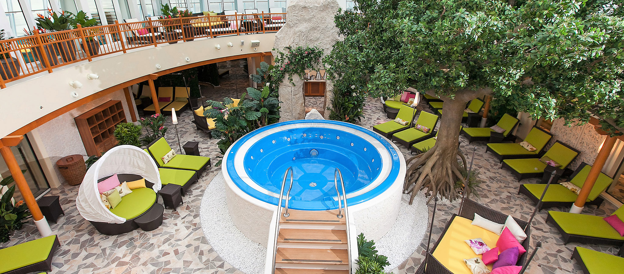 The spa areas of the large cruise ships often extend several thousand square meters in size. 100% relaxation after an intense conference day on board.