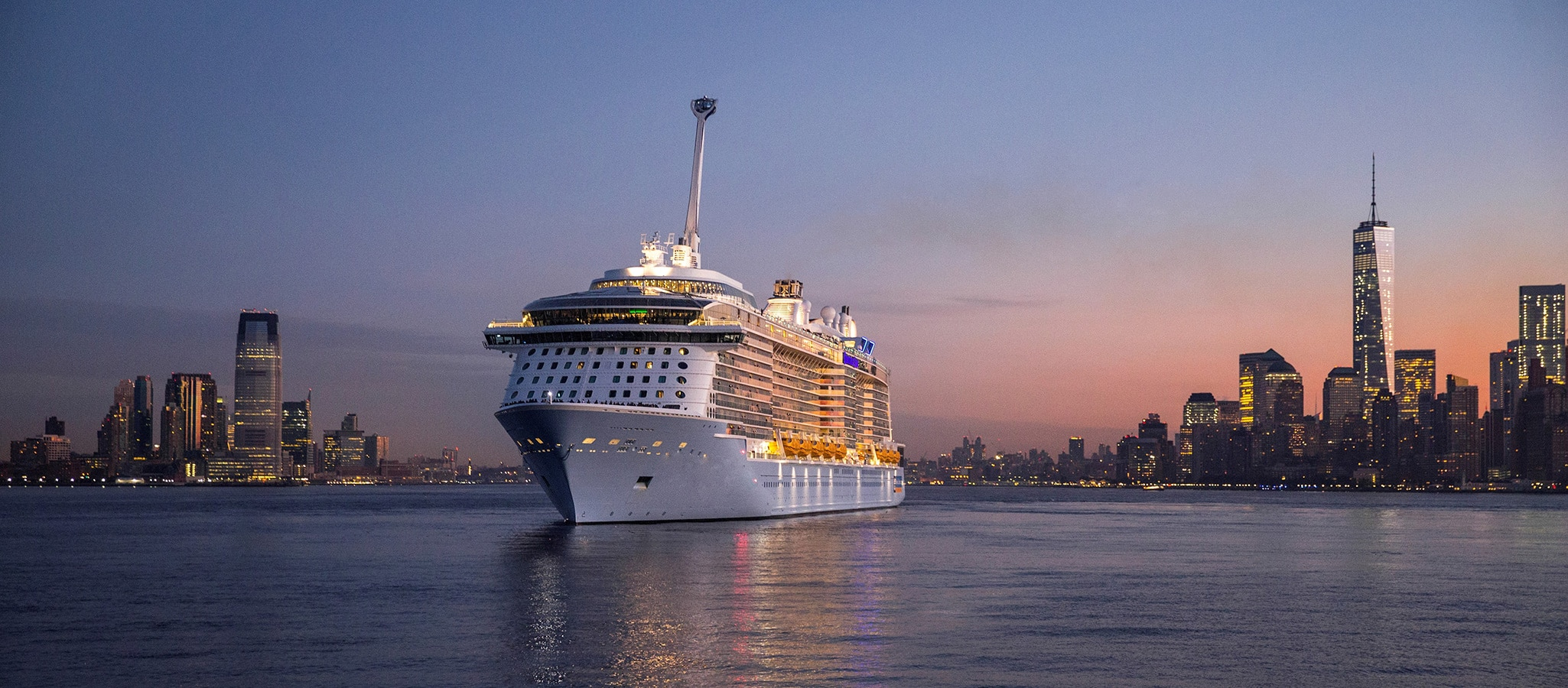 Cruise ships in this category are among the largest in the world. With occupancy in double cabins, they hold up to 6,000 participants for your mega event.