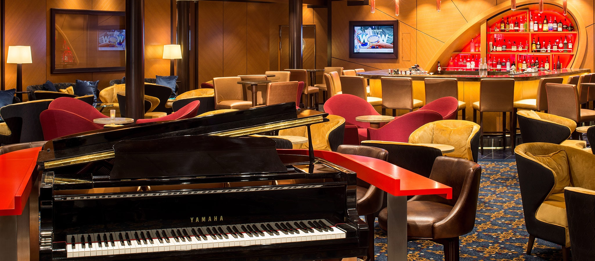 Various lounges and bars ensure variety and customized entertainment on your exclusive cruise ship.