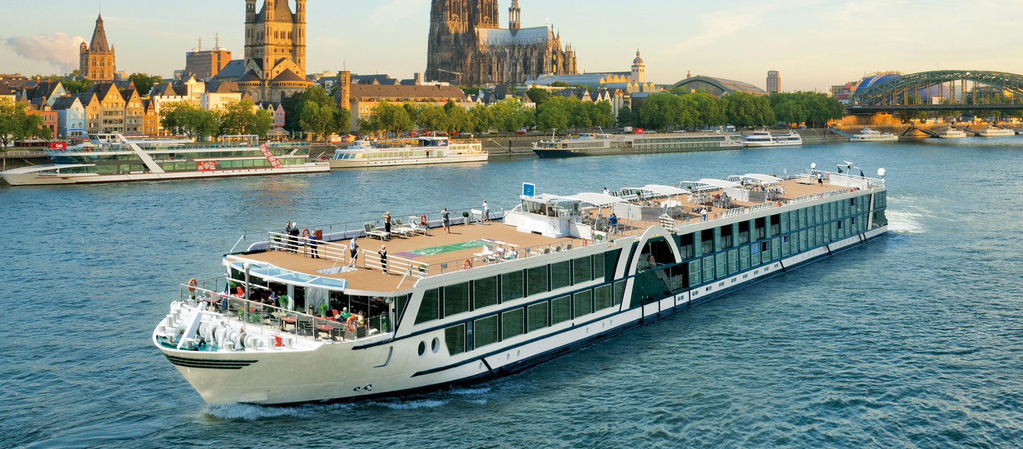 En route on Europe's beautiful rivers: Rhine, Danube, Seine and Rhône give scene for eventful incentive programs.