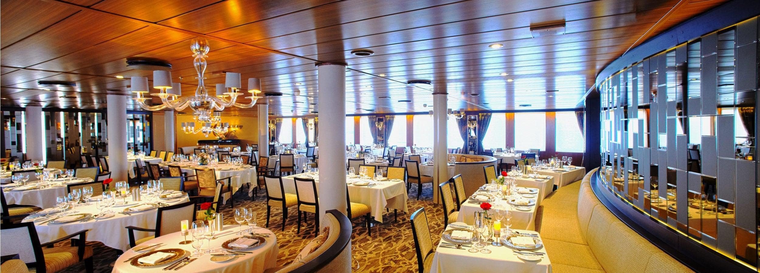Speisesaal oder Konferenzraum - Kreuzfahrtsegler bieten eine enorme Flexibilität bei der Nutzung ihrer Räumlichkeiten.
